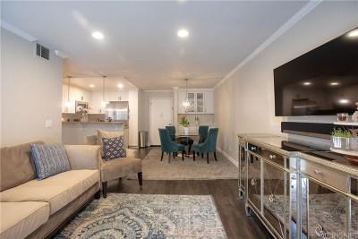 Woodland Hills Condo/Townhouse Active Under Contract: 5515 Canoga Avenue #209
