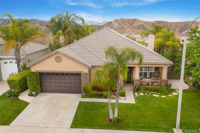 Saugus Single Family Home Active Under Contract: 28920 Gateway Court