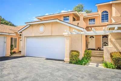 Saugus Condo/Townhouse Active Under Contract: 22943 Banyan Place #307