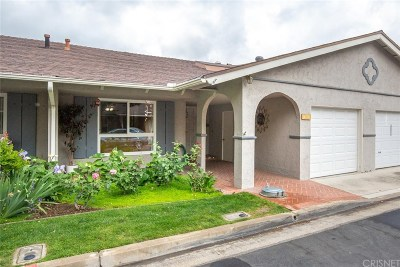Newhall Condo/Townhouse Active Under Contract: 26810 Circle Of The Oaks