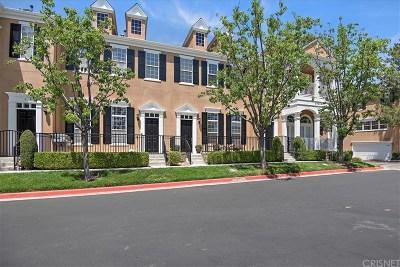 Los Angeles County Condo/Townhouse Active Under Contract: 24004 Bridgeport Lane #2