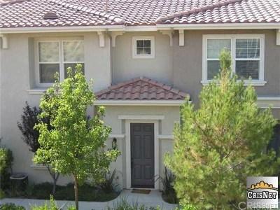 Valencia Condo/Townhouse Active Under Contract: 27328 Oaktree Place