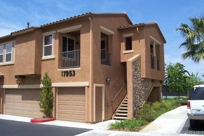 Canyon Country Condo/Townhouse For Sale: 17953 Lost Canyon Road #27