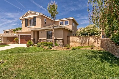 Canyon Country Single Family Home For Sale: 14221 Yellowstone Lane