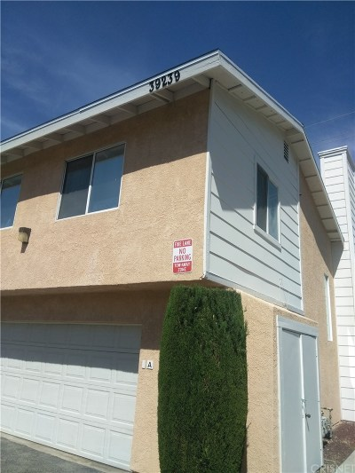 Palmdale Condo/Townhouse For Sale: 39239 10th Street West #E