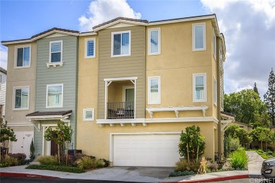 Pomona Condo/Townhouse For Sale: 2716 Daybreak Lane