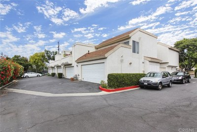 Northridge Condo/Townhouse Active Under Contract: 10410 Zelzah Avenue #A
