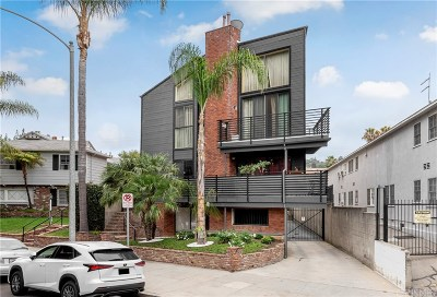 Studio City Condo/Townhouse Active Under Contract: 12930 Valleyheart Drive #7