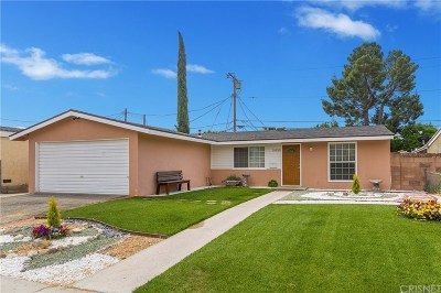 Canyon Country Single Family Home Active Under Contract: 19330 Cedarcreek Street