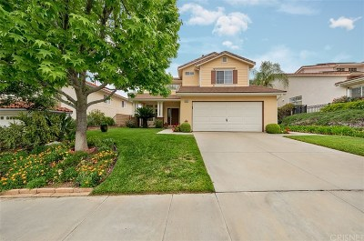 Saugus Single Family Home For Sale: 28403 Nicholas Circle
