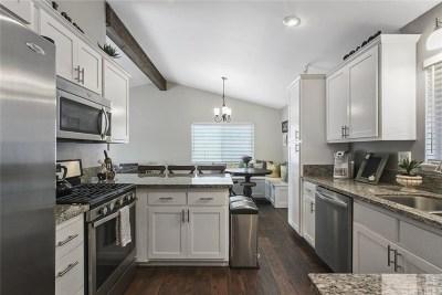 Saugus Single Family Home Active Under Contract: 27230 Elias Avenue
