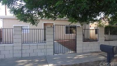 Canoga Park Single Family Home For Sale: 22014 Cantlay Street
