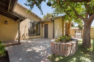 Valencia Single Family Home For Sale: 25979 Pueblo Drive