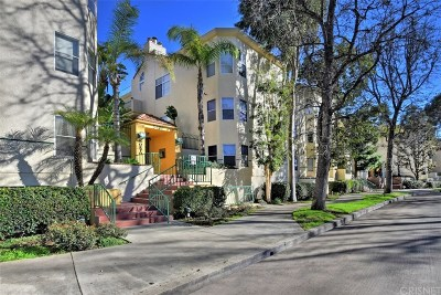 Sherman Oaks Condo/Townhouse Active Under Contract: 5420 Sylmar Avenue #121