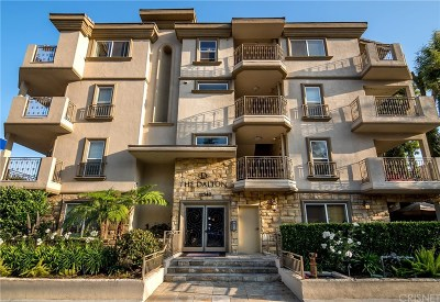Studio City Condo/Townhouse For Sale: 11540 Moorpark Street #104
