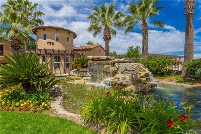 Canyon Country Condo/Townhouse For Sale: 17983 Lost Canyon Road #113