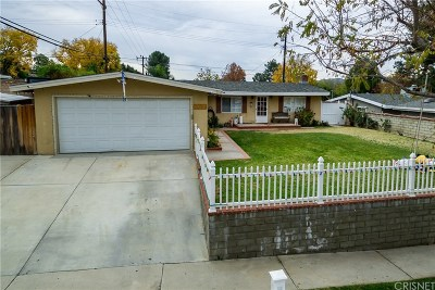 Saugus Single Family Home Active Under Contract: 22652 Los Rogues Drive