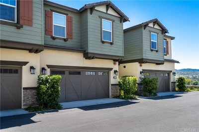 Santa Clarita, Canyon Country, Newhall, Saugus, Valencia, Castaic, Stevenson Ranch, Val Verde Condo/Townhouse For Sale: 22094 Barrington Way