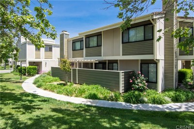 Canyon Country Condo/Townhouse Active Under Contract: 27116 Crossglade Avenue #3