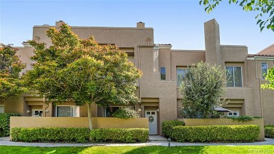 Stevenson Ranch Condo/Townhouse For Sale: 25701 Holiday Circle #C