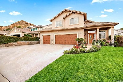 Canyon Country Single Family Home For Sale: 14411 Colorado Pl