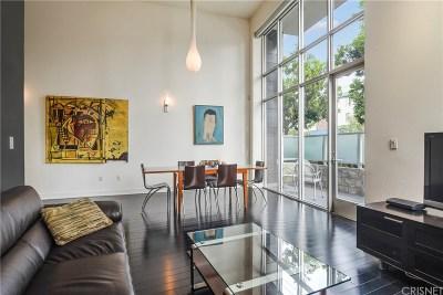 Studio City Condo/Townhouse For Sale: 12837 Moorpark Street #113