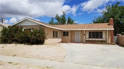 Lancaster Single Family Home For Sale: 415 East Avenue J15