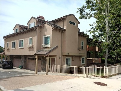 Agoura Hills Condo/Townhouse For Sale: 5276 Colodny Drive #A