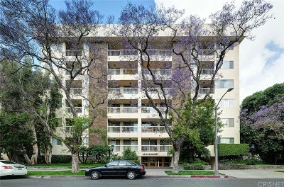 Beverly Hills Condo/Townhouse For Sale: 441 N Oakhurst #304