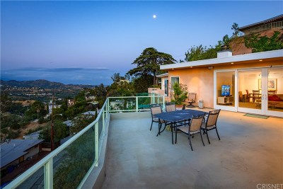 Hollywood Hills Single Family Home Active Under Contract: 2850 Las Alturas Street