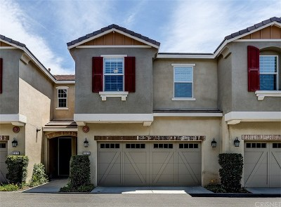 Santa Clarita, Canyon Country, Newhall, Saugus, Valencia, Castaic, Stevenson Ranch, Val Verde Condo/Townhouse For Sale: 22073 Barrington Way