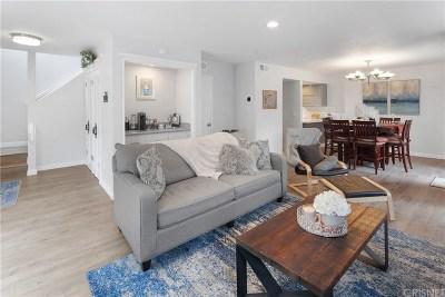 Studio City Condo/Townhouse For Sale: 11744 Moorpark Street #L
