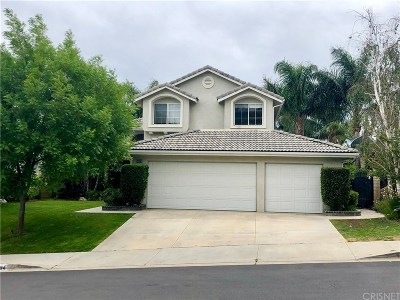 Saugus Single Family Home Active Under Contract: 28494 Nicholas Circle
