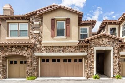 Chatsworth Condo/Townhouse For Sale: 21941 Bella Vista Place