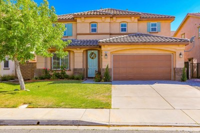 Palmdale Single Family Home For Sale: 2426 Delicious Lane