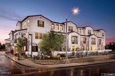 Thousand Oaks Condo/Townhouse For Sale: 73 Jensen Court