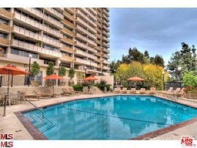 West Hollywood Condo/Townhouse For Sale: 8787 Shoreham Drive #103