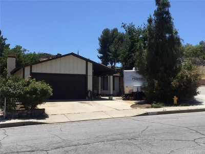 Castaic Single Family Home Active Under Contract: 28014 Nares Drive