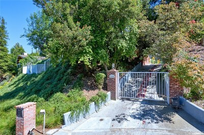 Encino Single Family Home Active Under Contract: 17846 Cathedral Place