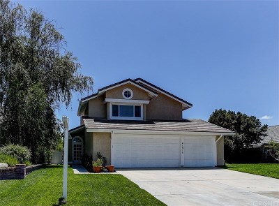 Saugus Single Family Home Active Under Contract: 22616 Fenwall Drive