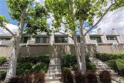 Agoura Hills Condo/Townhouse For Sale: 5269 Colodny Drive #4A