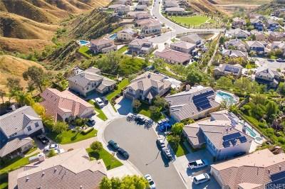 Saugus Single Family Home For Sale: 28872 Klamath Court