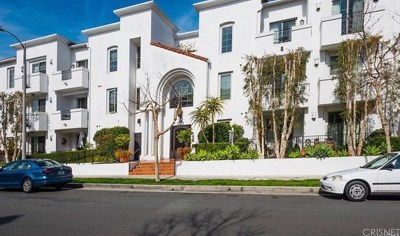Toluca Lake Condo/Townhouse For Sale: 10639 Woodbridge Street #205