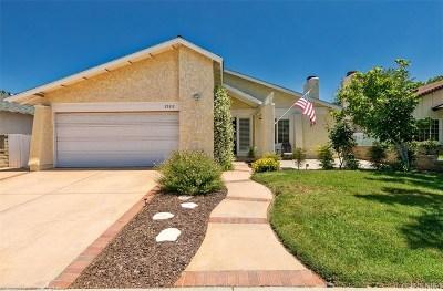 Valencia Single Family Home Active Under Contract: 25312 Via Ramon