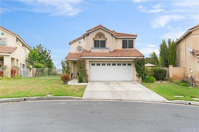 Newhall Single Family Home Active Under Contract: 25930 Santa Susana Drive