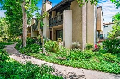 Woodland Hills Condo/Townhouse For Sale: 21901 Burbank Boulevard #202