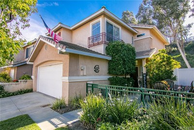 Castaic Single Family Home Active Under Contract: 30427 Marigold Circle