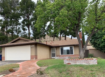 Canyon Country Single Family Home For Sale: 14711 Zinnia Court