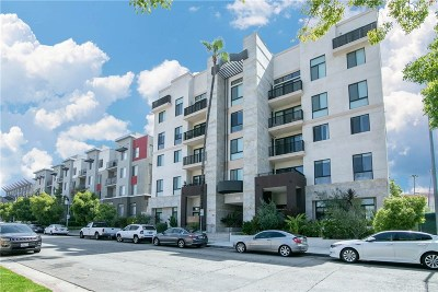 Los Angeles County Condo/Townhouse For Sale: 118 South Kenwood Street #406
