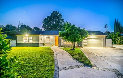 Woodland Hills Single Family Home For Sale: 23215 Leonora Drive